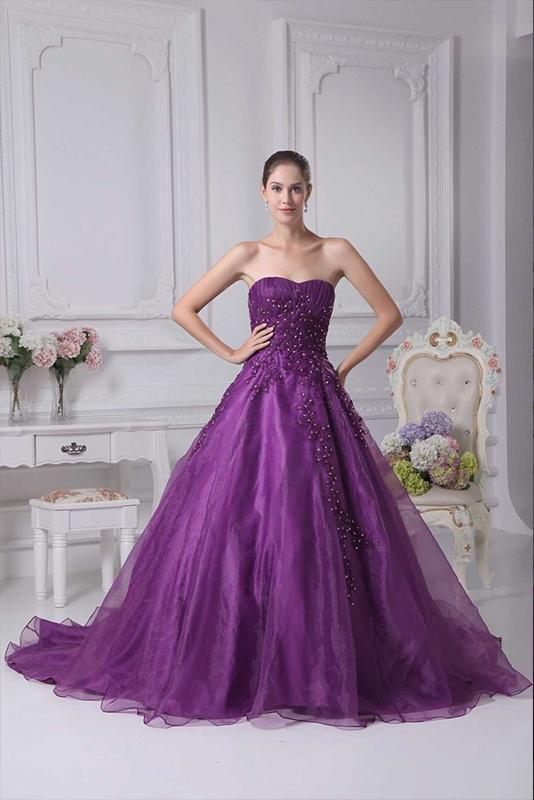 Фиолетовое свадебное платье фото 6