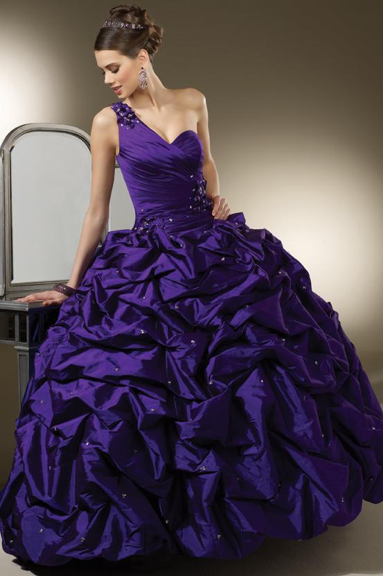 Пышные фиолетовые платья фото 2