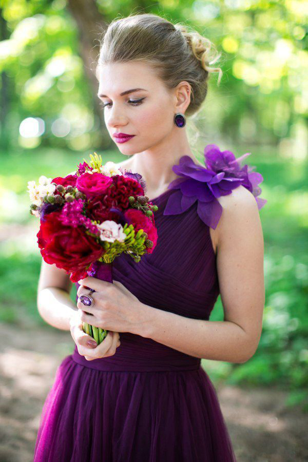 Фиолетовое свадебное платье фото 3