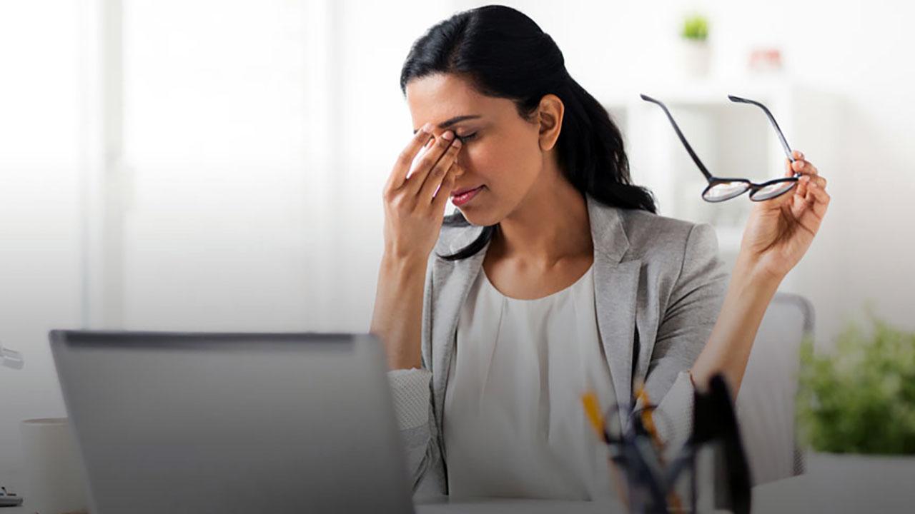 7 проблем, которые могут произойти, если вы протираете глаза