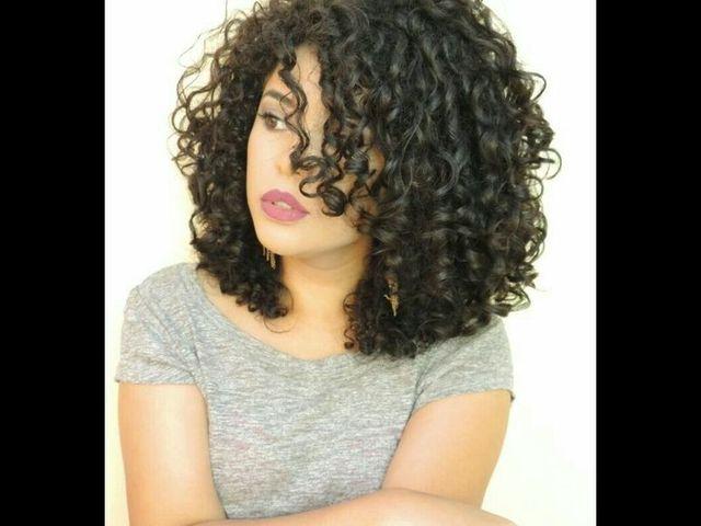 20 причесок для кудрявых и вьющихся волос (фото 3)