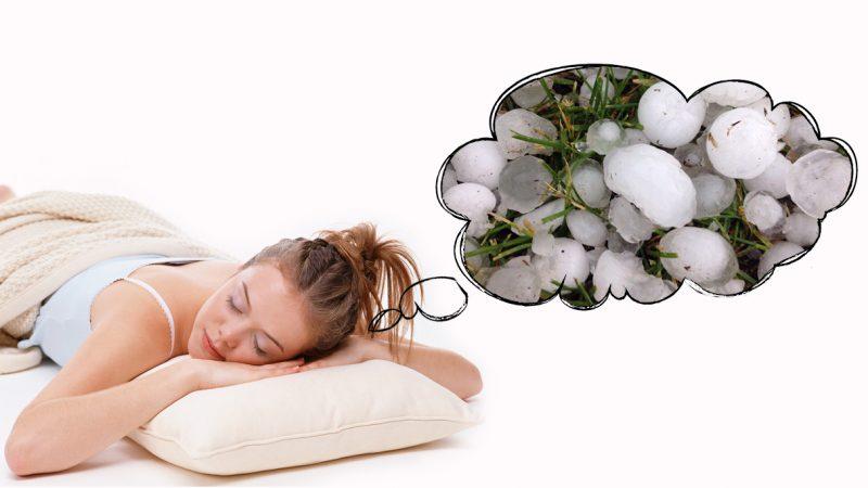 Что означают крупные градины во сне