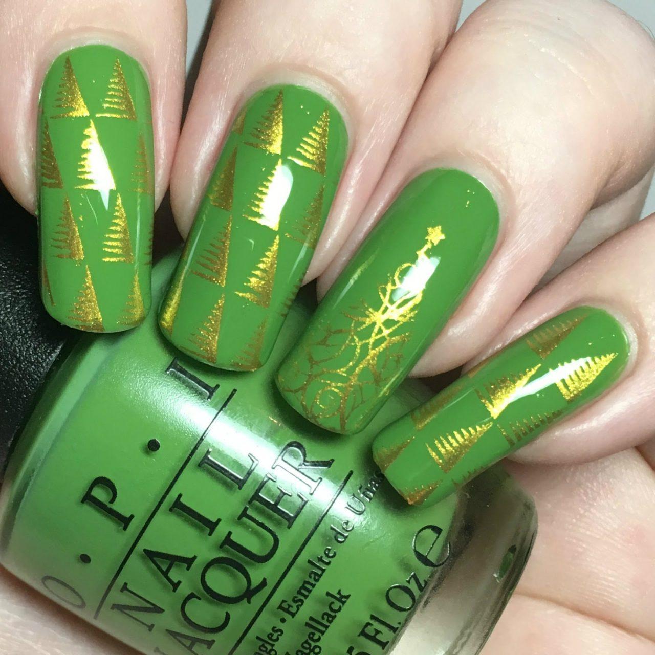 Зеленый маникюр с елочкой