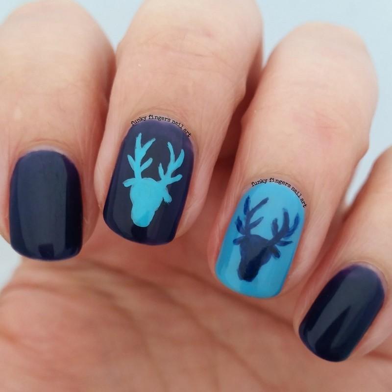Маникюр - зима с оленями