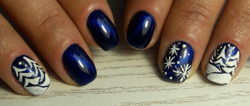 синий новогодний маникюр на короткие ногти