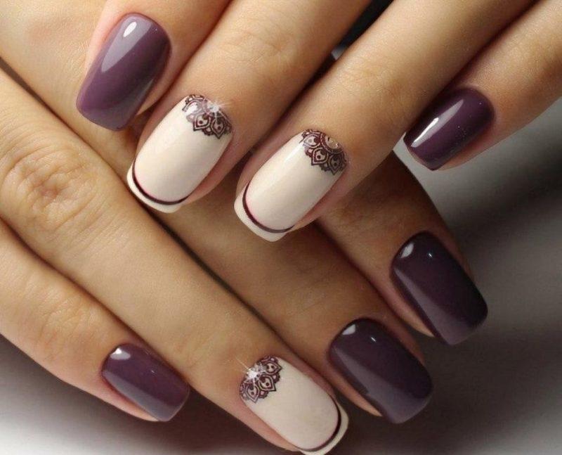 красивый новогодний дизайн ногтей лунный маникюр фото