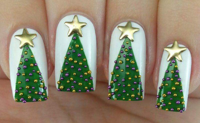 Маникюр с зеленым лаком новогодний