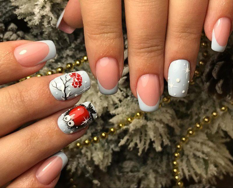 зимний рисунок на ногтях френч