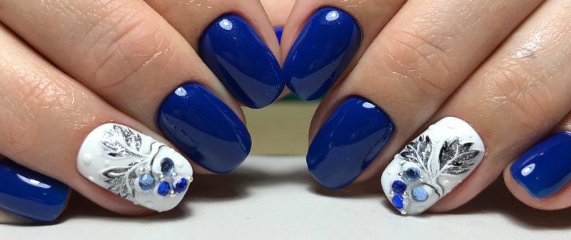 модный зимний маникюр на короткие ногти